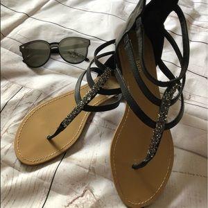 45af90d5cb237 EUC Black sandals